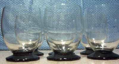 BLACK PETAL FOOT GLASS TUMBLERS SHORT
